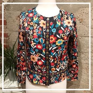 Multicolored Print Jacket With Enmbroidery